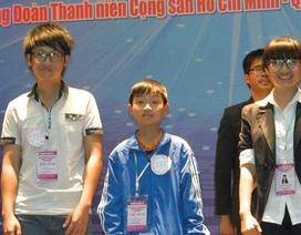 """Cậu bé """"hạt tiêu"""" giành 3 giải thưởng cuộc thi khoa học kỹ thuật"""