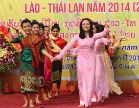 Lưu học sinh Lào, Thái Lan tưng bừng đón Tết cổ truyền trên xứ Nghệ