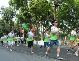 """""""Ngày Chạy Vì Sức Khỏe"""" của Amway thu hút 3.000 người tham dự"""