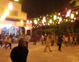 """Vẫn còn hàng trăm người kéo về xem """"Phật hiện"""" mỗi đêm"""