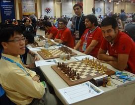 Quang Liêm tiếp tục tỏa sáng tại vòng 8 giải Olympiad thế giới