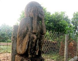 """Kỳ lạ những bức tượng """"theo hầu"""" người chết của người J'rai"""