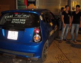 Đi taxi từ Hưng Yên lên Hà Nội dự sinh nhật bằng ma túy