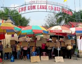 """Hà Nội: Hàng trăm người bao vây, """"cấm chợ"""" Bát Tràng"""