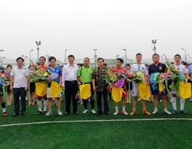 Dân trí thắng tưng bừng trận khai mạc giải bóng đá cúp Trung Thành
