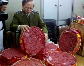 Hà Nội: Giấu pháo nổ trên thùng xe tải
