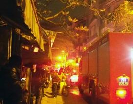 Hà Nội: Cháy lớn trong khu tập thể đêm rằm tháng Giêng