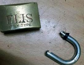 Hà Nội: Táo tợn phá khóa phòng trọ để trộm đồ giữa ban ngày