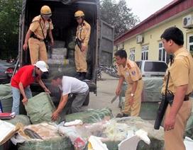 Hà Nội: Bắt xe tải vận chuyển cá trắm đã bốc mùi hôi thối