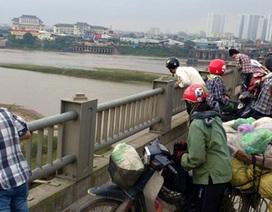 Hà Nội: Phát hiện xác nam thanh niên nổi gần cầu Vĩnh Tuy