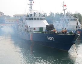 """Cảnh sát biển Việt Nam xuất trận """"truy"""" tàu lạ Biển Đông"""
