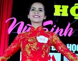 Ngắm vẻ đẹp tinh khôi của nữ sinh ĐH Quảng Nam