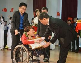 """Em gái """"hiệp sỹ CNTT"""" Nguyễn Công Hùng là Gương mặt trẻ Nghệ An tiêu biểu"""