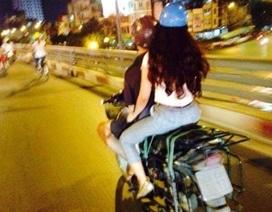 Cặp đôi hạnh phúc trên xe máy cà tàng lay động dân mạng