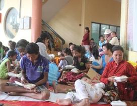 Hơn 1.600 dân xã đảo chưa được về nhà vì thời tiết xấu