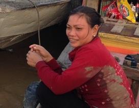 Đôi vợ chồng nghèo cứu sống 15 người trong vụ cháy tàu cánh ngầm