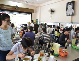 Quán chay đông nghịt khách trong ngày Tết Nguyên tiêu