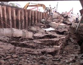 Công trình đang thi công bất ngờ sụt lún