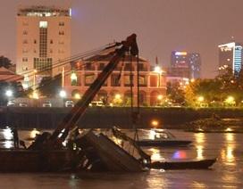 Trục vớt thành công sà lan gần 100 tấn chìm sát hầm Thủ Thiêm