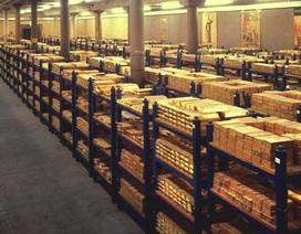 """Clip """"đột nhập"""" hầm vàng 4600 tấn dưới lòng London"""