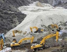 Trung Quốc: Lở núi vùi lấp 83 người trong mỏ vàng