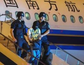 """Cướp máy bay giả và hình phạt thật cho hành khách """"si tình"""""""