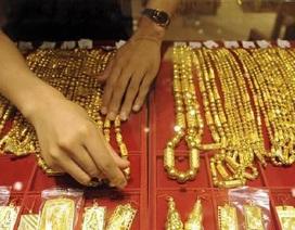 """Các quỹ đầu cơ Mỹ vẫn """"ôm"""" vàng bất chấp giá lao dốc"""