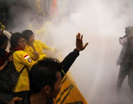 Indonesia: Biểu tình rầm rộ vì xăng tăng giá