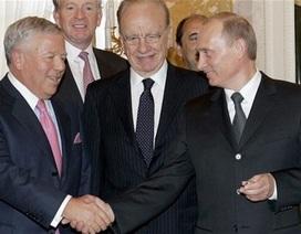 """Tống thống Nga Putin bác tin đồn """"trộm"""" nhẫn đắt tiền"""