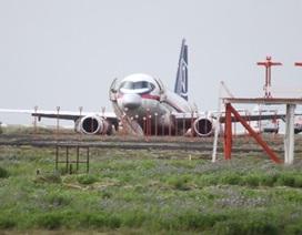 Máy bay chở khách của Nga hạ cánh bằng bụng tại Iceland