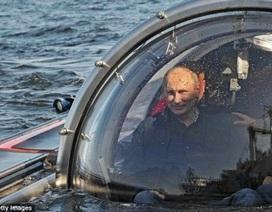 Putin ngồi tàu lặn thám hiểm đáy biển