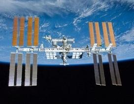 Các nhà du hành sửa chữa khẩn trạm ISS