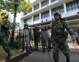 Thái Lan triển khai quân đội ngăn chặn người biểu tình tại Bangkok