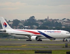 Máy bay Malaysia hạ cánh khẩn tại Hồng Kông