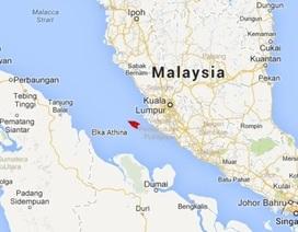 Tàu Hy Lạp nghi tìm thấy mảnh vỡ trôi dạt trên eo biển Malacca