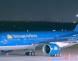 Máy bay Vietnam Airlines xì khói khi hạ cánh xuống Tân Sơn Nhất