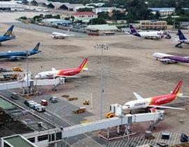 Hủy hàng trăm chuyến bay do bão Haiyan