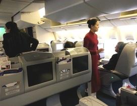 Lại bắt quả tang khách Trung Quốc ăn cắp trên máy bay
