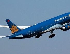 Hút thuốc trên máy bay, một hành khách bị khống chế bằng dây trói
