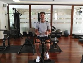C.Ronaldo tràn đầy năng lượng sau kỳ nghỉ hè cùng gia đình