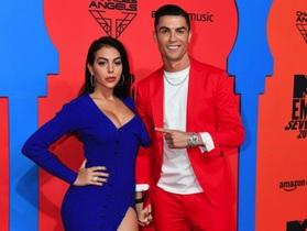 """Đập tan tin đồn cưới hỏi, C.Ronaldo khẳng định vẫn là """"trai chưa vợ"""""""