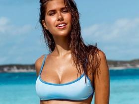 Kara Del Toro đẹp bốc lửa với bikini chào hè