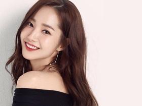 """Vẻ đẹp hoàn hảo của """"nữ hoàng dao kéo"""" Park Min Young"""