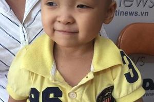 Hơn 3 tuổi cô bé Linh bị ung thư thận đã di căn phổi.