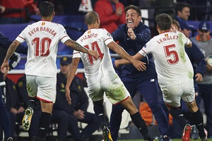 HLV Sevilla báo tin bị ung thư trước thềm trận chiến với Liverpool