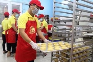 Ưu tiên của người dân là bánh rẻ nhưng đảm bảo vệ sinh an toàn thực phẩm.