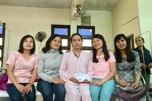 Chung tay hỗ trợ hơn 700 triệu đồng đến cô giáo bị ung thư máu