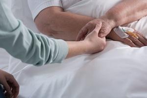 Làm thế nào nhận biết sớm ung thư buồng trứng?