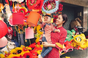 Làm mẹ đơn thân, Dương Cẩm Lynh cố vun vén cho con một tuổi thơ êm đẹp - 1
