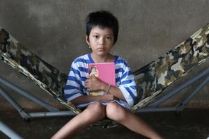 Kỳ diệu cô bé 10 tuổi chế ngự bệnh ung thư - 1